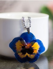Pansy Necklace (blue)