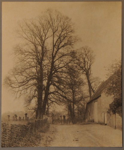 Kelmscott Manor, Road to, PhJ901xxi